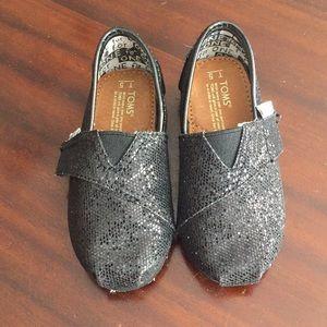 TOMS black glitter Velcro slip on shoes size 5